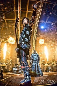 Nikki Sixx at Staples Center, LA on Mötley Crüe's last show
