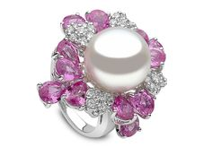 Yoko London 18kt white gold ring with a 14-15mm South Sea pearl, 0.77ct diamonds and 9,38cts pink sapphires.