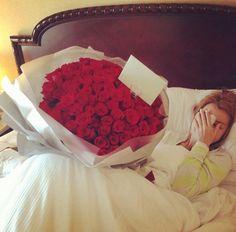 Hermosos arreglos de rosas que toda mujer alucina por que le regalen