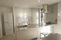 一番お世話になったキッチン♡ やっと物がなくなった〜꒰˘̩̩̩⌣˘̩̩̩๑꒱ 次は玄関。 #年末大掃除 #ヘーベルハウス #トーヨーキッチン…