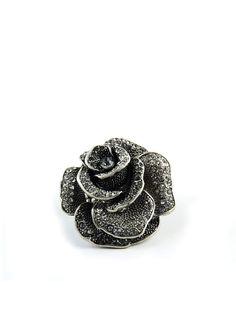 NESARANG / ROSES ARE BLACK