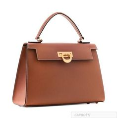 This elegant, timeless purse is handcrafted with palmellato leather by Italian artisans at Carbotti. Carbotti is a family-owned company famous for its quality leathers, beautiful designs, and of… Hermes Handbags, Burberry Handbags, Leather Handbags, Burberry Bags, Luxury Handbags, Chain Shoulder Bag, Small Shoulder Bag, Women's Crossbody Purse, Accessories