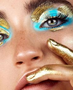 did this weekend go ? pretty gold details on by did this weekend go ? pretty gold details on by Gold Makeup, Skin Makeup, Makeup Art, Beauty Makeup, Fashion Editorial Makeup, High Fashion Makeup, Makeup Inspo, Makeup Inspiration, Superstay Maybelline
