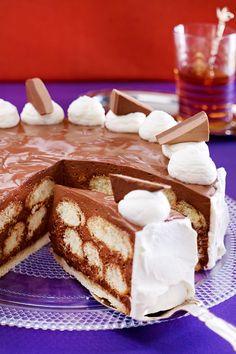 Zum Geburstag, zu Weihnachten oder fürs nächste Kaffeekränzchen - für die süß-cremige Nougattorte ist immer der richtige Zeitpunkt. Wir zeigen in 8 Schritten, wie sie dir garantiert gelingt. Nougat Torte, No Bake Cake, Tiramisu, Baking, Ethnic Recipes, Brownies, Cakes, Inspiration, Noel