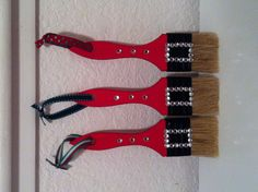 Turn your paint brushes into Christmas ornaments by painting its handles and adding some decorative details. Here are other designs that you can do apart from the usual Santa Brush. Christmas Ornament Crafts, Santa Ornaments, Christmas Items, Christmas Projects, Holiday Crafts, Christmas Holidays, Christmas Wreaths, Christmas Bulbs, Craft Show Ideas