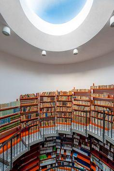 Ampliamento Biblioteca Ezio Vanoni - Luigi Caccia Dominioni, 1965 - Picture gallery #architecture #interiordesign #library