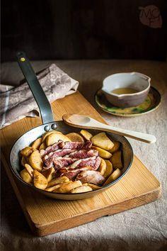Receta paso a paso de magret de pato a la plancha en sartén, con manzanas salteadas en su misma grasa