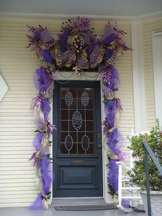 dont know what is going on with the purple stuff around the door but like the color of the door.