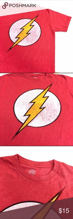 "DC Comics The Flash Graphic Tee Vintage Design Up for sale is a DC comics graphic t shirt. Size Medium- 60%cotton 40% Polyester - width is 21"" across and length is 26"". Front flash logo on a red shirt. DC Shirts Tees - Short Sleeve"