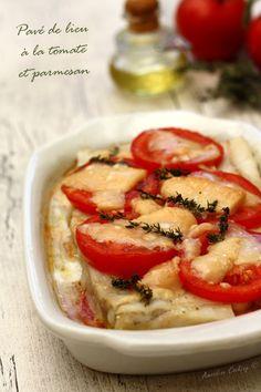 Pavé de lieu à la tomate et parmesan Parmesan, Caprese Salad, Hummus, Meat, Chicken, Ethnic Recipes, Food, Mousse, Dessert