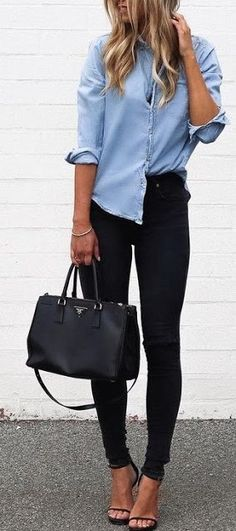 Street style | Chambray shirt, black skinnies and tote bag