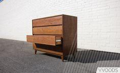 Woods - Wilshire 5-Drawer Dresser