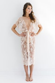 Margot Midi lace kimono robe in Blush pink Style image 3 Lace Bridal, Bridal Robes, Lace Kimono, Kimono Dress, Rosa Style, Pink Fashion, Fashion Outfits, Silk Chemise, Diy Vetement