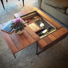 60 Creative DIY Projects Furniture Living Room Table Design Ideas 54 – Home Design Unique Coffee Table, Rustic Coffee Tables, Cool Coffee Tables, Decorating Coffee Tables, Coffee Table Design, Diy Decorating, Table Cafe, Diy Table, Wood Table