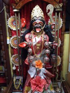 Maa Durga Photo, Durga Maa, Indian Goddess Kali, Indian Gods, Kali Mantra, Kali Puja, Mother Kali, Hindu Dharma, Puja Room
