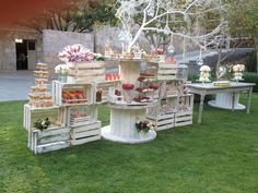 We've found some gorgeous shabby chic garden party ideas perfect for a bridal shower, baby shower or a special little princess' birthday party. Dessert Bar Wedding, Wedding Candy, Wedding Desserts, Dessert Bars, Wedding Decorations, Dessert Ideas, Dessert Tables, Party Wedding, Table Wedding