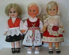 Tjorven doll, Swedish Pernille on the left Frozen Dolls, Swedish Girls, Norway, All Things, Scandinavian, Harajuku, Pride, Italy, Costumes
