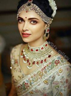 Indian Bridal Outfits, Indian Bridal Fashion, Indian Bridal Makeup, Indian Bridal Wear, Bridal Dresses, Bride Indian, Indian Bridal Jewelry, Best Bridal Makeup, Wedding Jewelry For Bride