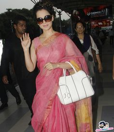 Stars Spotted 2017 -- Kangana Ranaut snapped at airport Picture # 357229 Cotton Saree Designs, Saree Blouse Neck Designs, Indian Attire, Indian Ethnic Wear, Indian Dresses, Indian Outfits, Simple Sarees, Sari Dress, Indian Bridal Wear
