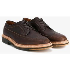 Alden 'Long Wing' Leather Brogues (8.294.645 VND) ❤ liked on Polyvore featuring men's fashion, men's shoes, men's oxfords, brown, mens flat shoes, mens lace up shoes, mens brown brogue shoes, mens perforated shoes and alden mens shoes