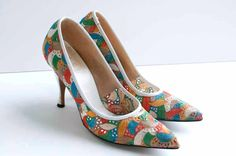 vintage 1950s shoes / 50s colorful embroidered by SwaneeGRACE, $72.00