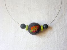 Felt necklace felt leaf felt jewelery by Sonnentaucher on Etsy, €9.50