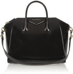 Givenchy Antigona mittelgroße Tasche aus schwarzem Kalbsleder