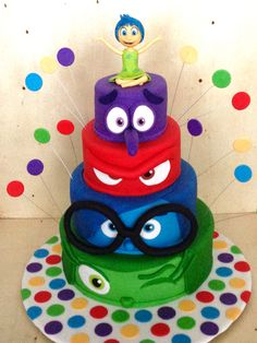 Creative Cake Decorating For A Kid's Birthday Creative Cake Decorating, Birthday Cake Decorating, Creative Cakes, Crazy Cakes, Fancy Cakes, Cute Cakes, Disney Themed Cakes, Disney Cakes, Fondant Cakes