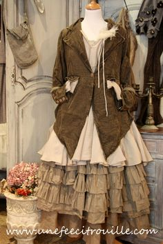 """Great lines on this jacket. Pic as inspiration to make a front hemline in shape of a """"w""""."""
