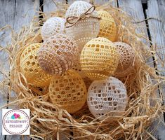 Szydełkowy Kramik Agi: Jajeczka filetowe Easter Crochet, Knit Or Crochet, Crochet Crafts, Crochet Stitches, Crochet Patterns, Homemade Easter Baskets, Easter Egg Pattern, Fillet Crochet, Crochet Circles