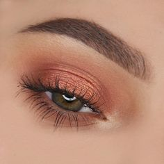 Eye makeup will greatly enhance your beauty and also make you look fabulous. Discover how to apply make-up so that you can easily show off your eyes and impress. Uncover the most effective ideas for applying make-up to your eyes. Makeup Goals, Makeup Inspo, Makeup Inspiration, Makeup Tips, Makeup Ideas, Cute Makeup, Pretty Makeup, Simple Makeup, Gorgeous Makeup