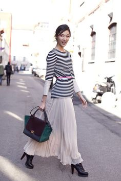 Hijab Style: Street Style Inspiration: Maxi Skirts