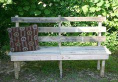 7 Simple Yet Ravishing Outdoor Pallet Furniture | Pallet Furniture DIY