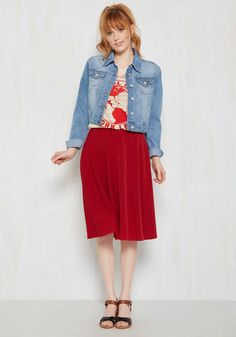 You hear your friend's truck horn toot outside your window - your trumpet call to scoot this A-line skirt out the door and hop in! Back-zipped and buttoned, and boasting a high waistline, this classic red bottom looks blissful against every panorama you pass!