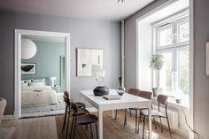 AlvhemKastellgatan 6B - Linnéstaden - Alvhem Beige Wall Colors, Green Wall Color, Beige Walls, Dining Corner, Dining Room, Small Guest Rooms, Pastel Walls, Black Side Table, Beautiful Wall