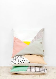 Patchwork pillows - a good idea for using up fabric scraps! Cushion Memphis_1 by Depeapa
