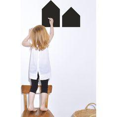 Stickers ardoise pour la chambre bébé.  Stickers chambre bébé : Idées, tendances & inspirations.  Découvrez notre guide >> http://www.homelisty.com/stickers-chambre-bebe-idees-inspirations-tendances-photos/