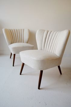 Pair of 1950s French cocktail chairs from Osi Modern. #midcentury #chairs