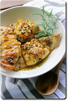 """Rabbit in """"potacchio"""" typical italien recipe (Marche region) Coniglio in potacchio (lapin typique des Marches, Italy)"""