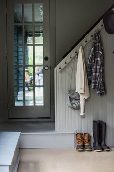 Catskills Home Designed with Friends & Family in Mind Mudroom design by Tara Mangini and Percy Bright of Jersey Ice Cream Co. for century Catskills house.Mudroom design by Tara Mangini and Percy Bright of Jersey Ice Cream Co. for century Catskills house. Design Entrée, House Design, Design Trends, Design Ideas, Comedor Office, Diy Coat Rack, Sweet Home, Summer Porch, Interior Exterior