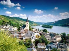Lorch Village, Hesse, Rhine River, Germany - http://imashon.com/w/lorch-village-hesse-rhine-river-germany.html