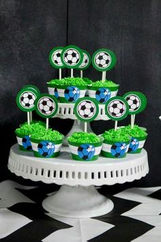 World Cup Party Ideas Soccer Birthday Cakes, Birthday Party Drinks, 2nd Birthday Party Themes, Picnic Birthday, Safari Birthday Party, Football Birthday, Birthday Cup, Soccer Party, Party Favors