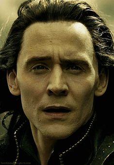 Loki Avengers, Loki Marvel, Loki Thor, Loki Laufeyson, Marvel Heroes, Thomas William Hiddleston, Tom Hiddleston Loki, Loki Gif, Loki God Of Mischief