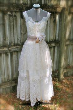 Megan D wedding dress balance by amandarosebridal on Etsy, $300.00