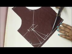 How to make perfect Cup for the blouse (DIY) Brocade Blouse Designs, Pattu Saree Blouse Designs, Blouse Back Neck Designs, Sari Blouse, Princess Cut Blouse, Blouse Tutorial, Stitching Dresses, Sewing Blouses, Sewing Baby Clothes