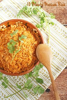 You won't believe that this easy Mexican rice recipe takes only 10 minutes. An authentic Mexican rice recipe for burritos or tacos. Mexican Rice Recipes, Mexican Dishes, Mexican Meals, Mexican Cooking, Healthy Side Dishes, Side Dish Recipes, Dinner Recipes, Love Food, A Food