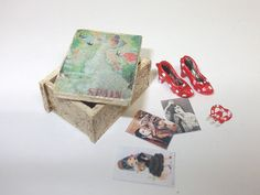 Dollhouse miniature vintage style Spain box scale 1/12 by Teruka