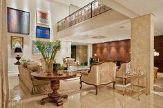 Décor do dia: luxo confortável Sala de estar em Goiás é também home theater