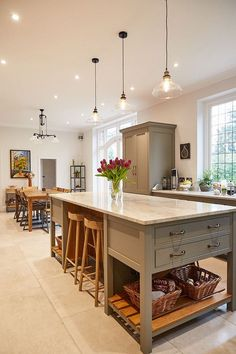 Uplifting Kitchen Remodeling Choosing Your New Kitchen Cabinets Ideas. Delightful Kitchen Remodeling Choosing Your New Kitchen Cabinets Ideas. Diy Kitchen, Kitchen Dining, Kitchen Decor, Kitchen Ideas, Kitchen Cabinets, Awesome Kitchen, Kitchen Modern, Kitchen Lamps, Kitchen Nook