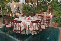 Terraza del restaurante La Meridiana del Alabardero, en Marbella.  Cocina tradicional con toques creativos.